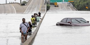 hurricane-harvey-catastrophe-tx-crop-copy-1503947771-article-header