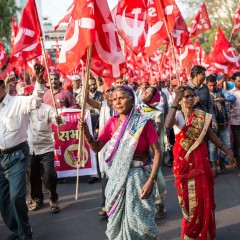 (English) From farm and forest: Long March to Mumbai
